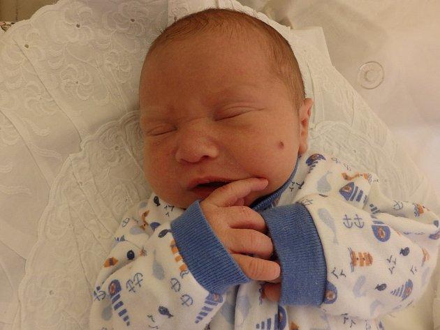 Michael Vavřina se narodil 10. února v Čáslavi. Vážil 2900 gramů a měřil 48 centimetrů. Doma v Čáslavi ho přivítali maminka Helena a tatínek Michal.