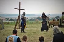Na Středověkém dni v Semtěši se na vstupném vybralo 17 tisíc, které se rozdělily mezi dvě organizace.