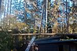 Silný vítr zaměstnal v úterý 30. října 2018 také dobrovolné hasiče z Červených Janovic. Odstraňovali popadané stromy na Vačkáři (na snímku), v Opatovicích I a na Zadních.