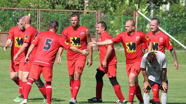 Předkolo Poháru Okresního fotbalového svazu Kutná Hora: TJ Sokol Červené Janovice - FK Záboří nad Labem 2:0 (1:0).