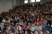 První školní den na Gymnáziu Jiřího Ortena patří již tradičně maturantům