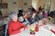 V Klubu důchodců oslavili Mezinárodní den žen .