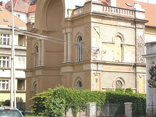 Čáslavská synagoga je chytře opravena tak, že nedokončené části jsou očím kolemjdoucích převážně skryty. Při vstupu do interiéru by však byl náhodný návštěvník zřejmě překvapený.