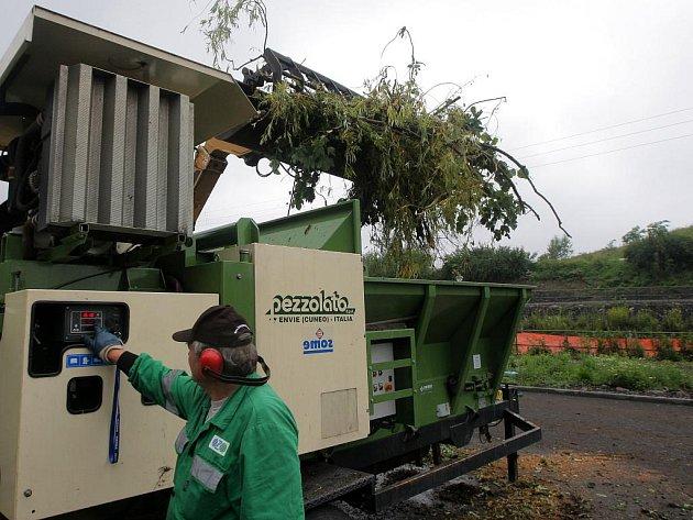 Zpracování biologického odpadu a jeho příprava pro kompostárnu. Ilustrační foto.