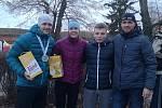 Kutnohoráci po závodě Winter Gladiator Race v Josefově. Zleva bronzový MIX Michal Pavlík a Martina Fabiánová, nejlepší junior David Doubrava a celkový vítěz závodu Tomáš Tvrdík.