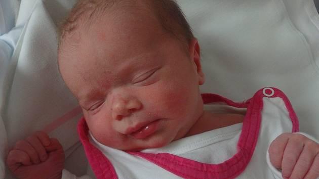 Rozálie Maláková se narodila 19. prosince vČáslavi. Vážila 2660 gramů a měřila 49 centimetrů. Doma v Malešově ji přivítali maminka Pavlína, tatínek Filip a sourozenci Terezka, Verunka a Eliška.