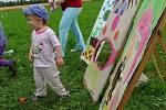 Odpoledne plné her a soutěží čekalo na návštěvníky Dětského dne ve Vidicích.
