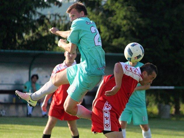 Mistrovské fotbalové utkání III. třídy: FC Bílé Podolí B - TJ Sokol Červené Janovice 1:1 (0:0), na penalty 1:4.