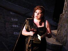 21. ročník mezinárodního hudebního festivalu Operní týden vyvrcholil inscenací opery Giuseppe Verdiho Macbeth.