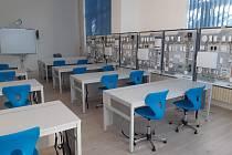 Průmyslová škola otevře nové laboratoře.