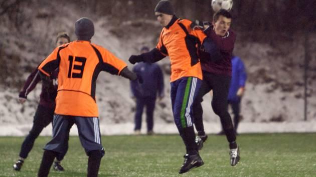 Z přípravného fotbalového utkání Kutná Hora - Lhota pod Libčany (2:0).