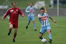 Z druholigového fotbalového střetnutí Čáslav - Třinec (2:1)