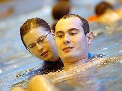 Poslední hodina plavání pro handicapované děti v Kutné Hoře. 26.6.2013