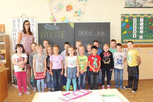Na fotografii jsou žáci ze ZŠ Jana Palacha vKutné Hoře, třída 1.B. paní učitelky Markéty Čermákové.
