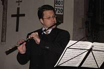 Flétnista Jan Ostrý.