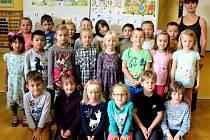 Základní škola Sadová v Čáslavi: třída 1.A s paní učitelkou Lenkou Syrovou.