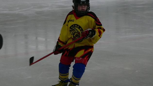 Z utkání kutnohorské hokejové mládeže.