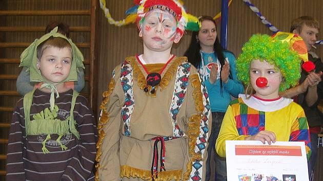 Dětský karneval v tělocvičně Základní školy v Nových Dvorech.