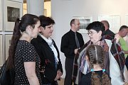 Ze zahájení výstavy ke stému výročí Fotoklubu v Čáslavi.
