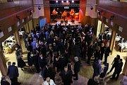 Ples města Čáslavi ve společenském sále hotelu Grand.