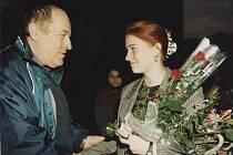 Salon Meluzína byl otevřen 16. října 1998 v Kutné Hoře za hojné účasti.