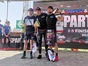 Spartan Tomáš Tvrdík (zcela vpravo) na pódiu při vyhlášení závodu Spartan Super Nagykanizsa 2019.