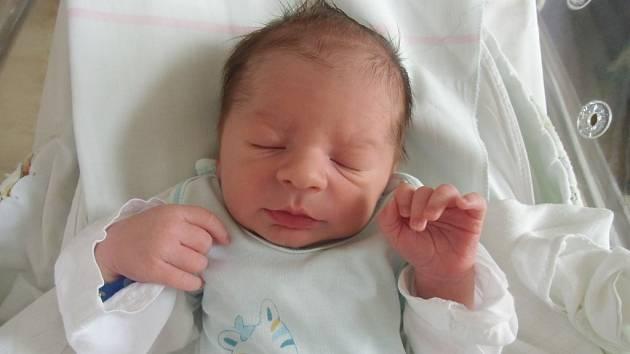 Patrik Nowacki se narodil 16. dubna v Čáslavi. Vážil 3280 gramů a měřil 51 centimetrů. Doma v Čáslavi ho přivítali maminka Hana, tatínek Sebastian a sestra Natálka.
