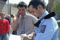 Je Vladimír Gajdoš (uprostřed) jen nastrčenou figurkou ve vyšší hře a policie se o něj zajímá jen na oko?