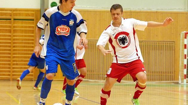 1. kolo 1. futsalové ligy: Benago - Torf Pardubice, 3. září 2010.