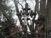 Tragické Vánoce v Církvici: tři mrtví. Otrávili se zplodinami z benzínové centrály.