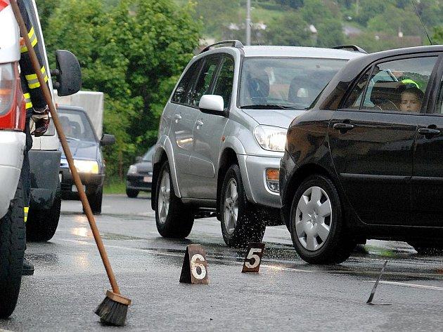 Dopravní nehoda na křižovatce ulic Česká a Na Valech v Kutné Hoře. 24.5.2010