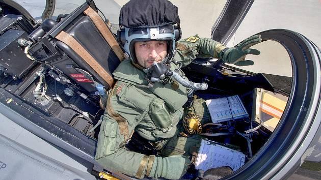 Kapitán Ondřej Španko je trojnásobným display pilotem.