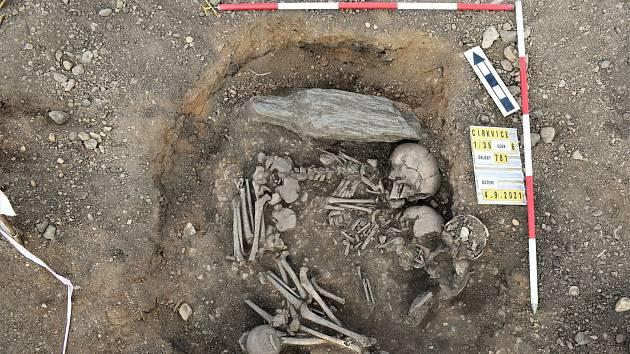 Z archeologického průzkumu při výstavbě obchvatu Církvice.