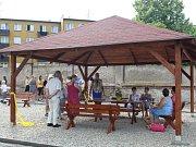 Žáci představili veřejnosti odpočinkovou zónu.