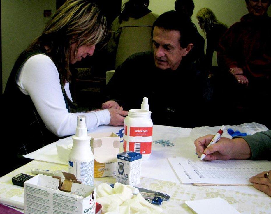 Meření glykemie a tlaku pro širokou veřejnost v Kutné Hoře.