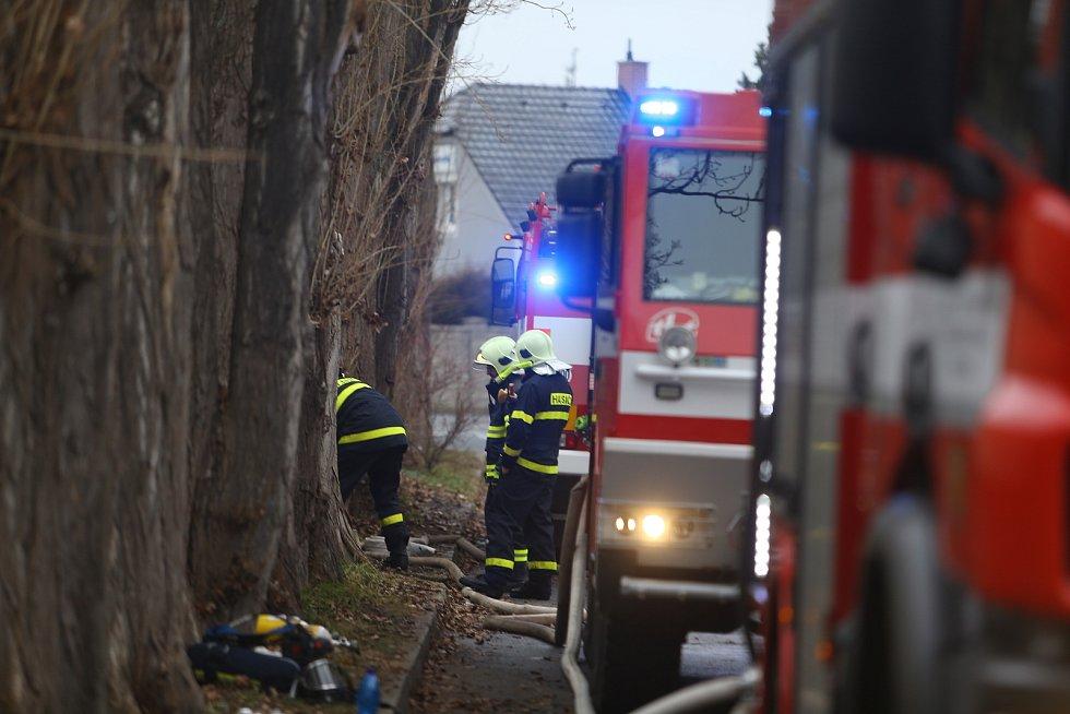 Z dohašování požáru ubytovny v Kutné Hoře v sobotu 2. ledna 2021 v dopoledních hodinách.
