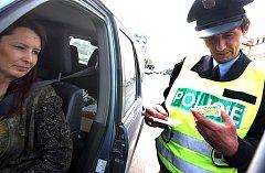 Policisté kontrolovali o Velikonocích řidiče a jejich vozidla.