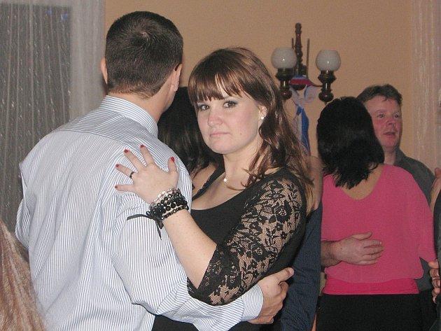 Hasičský ples ve Vlastějovicích:15. únor 2014