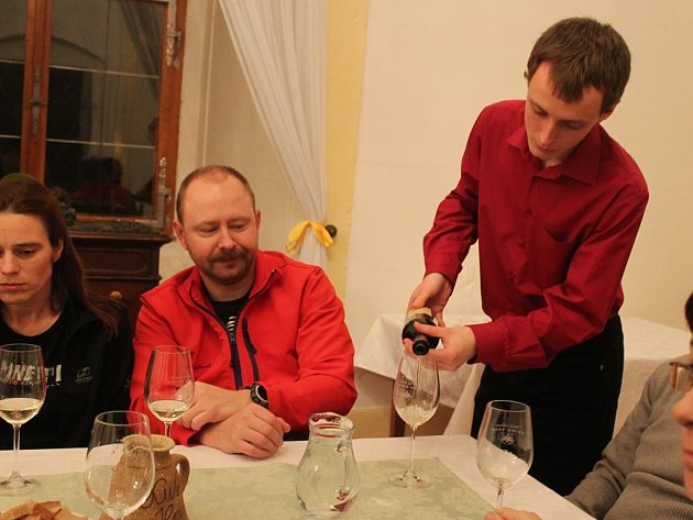 Koštování mladých vín ve Vinných sklepech Kutná Hora 7. března 2014.