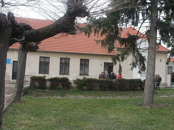 Bývalá škola ve Svaté Kateřině.