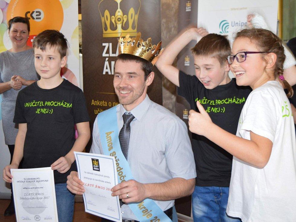Učitel ze žehušické školy získal titul Zlatý Ámos