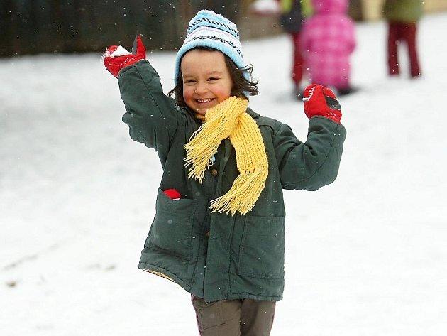 Zimních radovánek si konečně v úterý užily děti v Mateřské škole Benešova 149/I v Kutné Hoře.