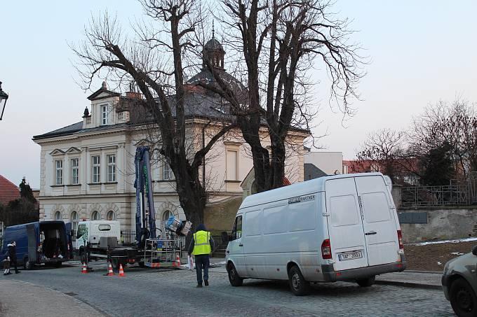 Seriál První republika natáčeli v Kutné Hoře ještě odpoledne.