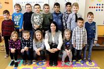 Třída 1.A ze Základní školy ve Vrdech s učitelkou Janou Francovou ve školním roce 2019/2020.