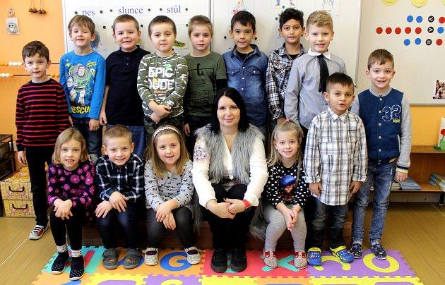 Třída 1.Aze Základní školy ve Vrdech sučitelkou Janou Francovou ve školním roce 2019/2020.