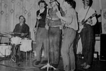Čáslavská kapela Pragorchestra v roce 1967.