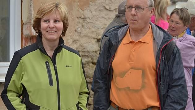 Klub turistů zahájil sezonu vlastivědnou procházkou