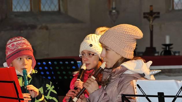 Jednu z posledních možností zavzpomínání na vánoční chvíle měli posluchači Tříkrálového koncertu v Uhlířských Janovicích.