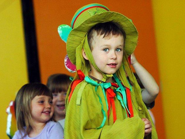 Děti z Mateřské školy v Chotusicích. 19.5.2011