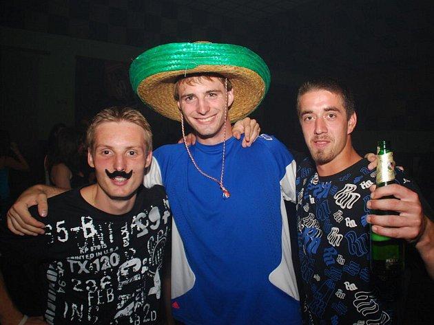 Tequila párty v Petrovicích.
